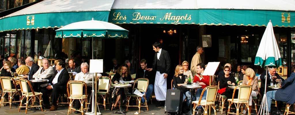 کافه گردی در پاریس
