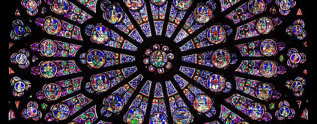 شیشه های منقوش پنجره های گلسرخی کلیسای جامع نوتردام پاریس