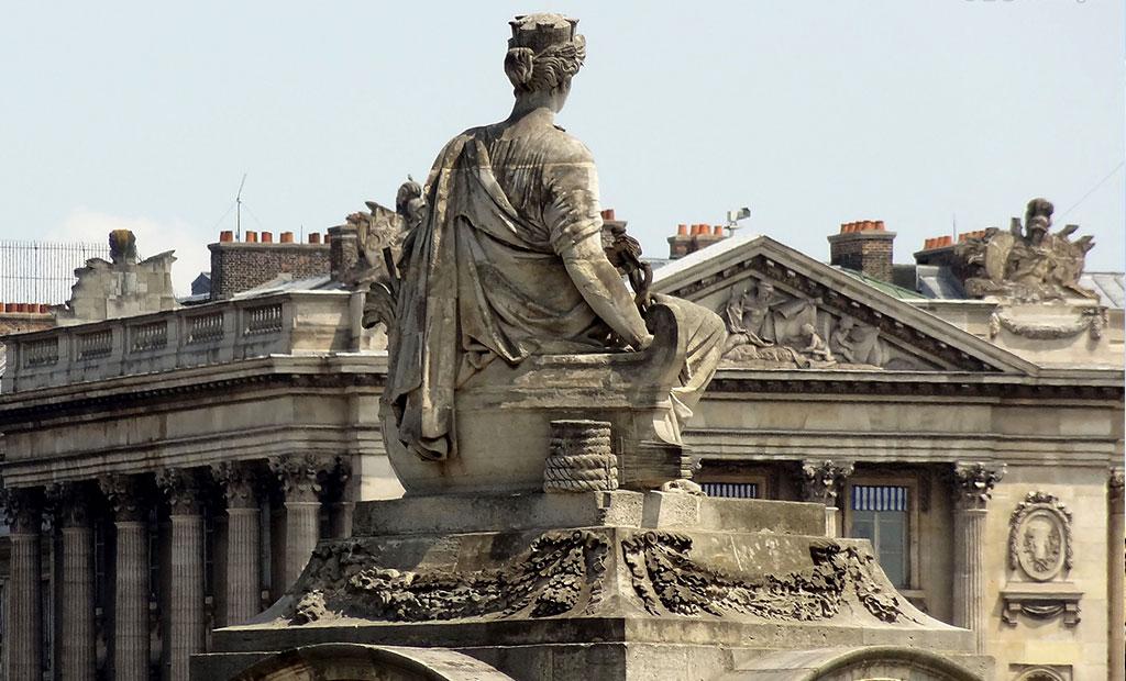 مجسمه های دور تا دور میدان کنکورد پاریس
