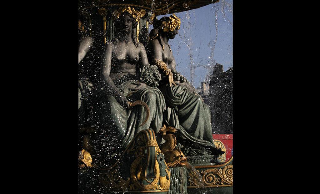مجسمه های زیبای فواره میدان کنکورد پاریس
