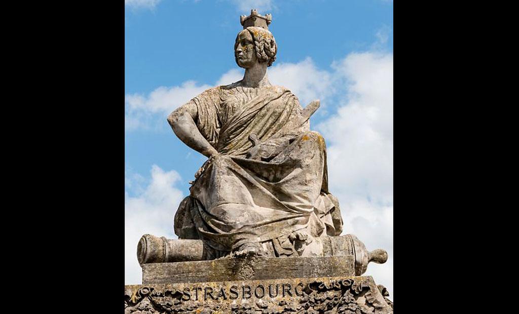 مجسمه نماد شهر استراسبورگ در میدان کنکورد