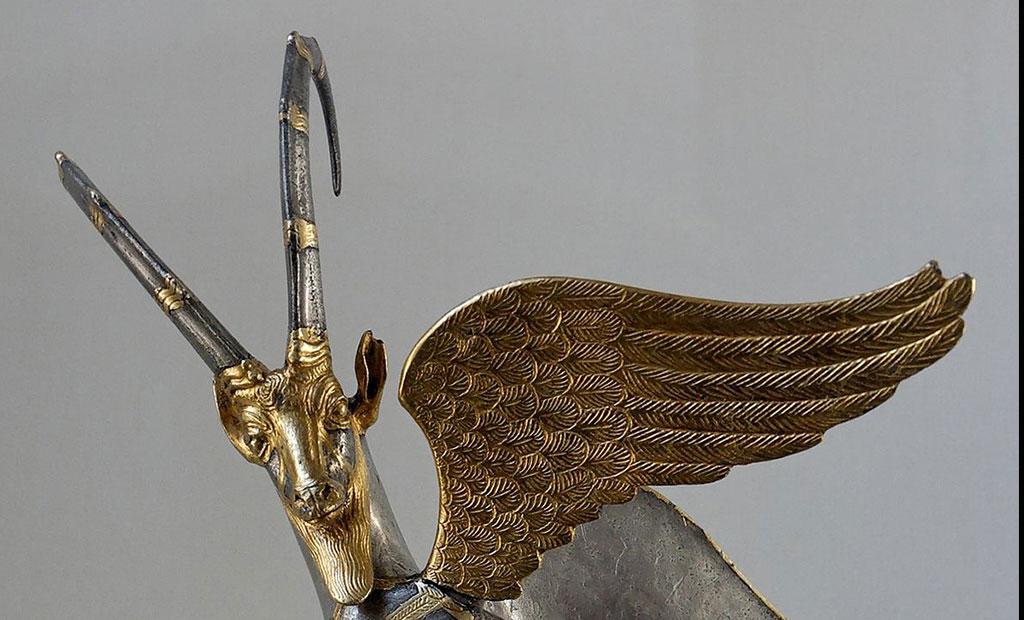مجسمه بز کوهی بالدار موزه لوور