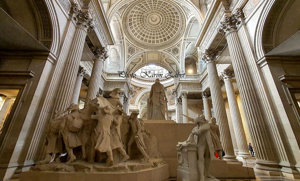 مجسمه میثاق ملی در انتهای صحن پانتئون پاریس