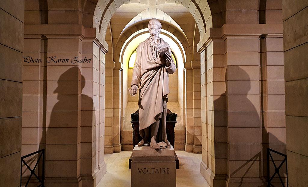مقبره ولتر در سردابه پانتئون پاریس