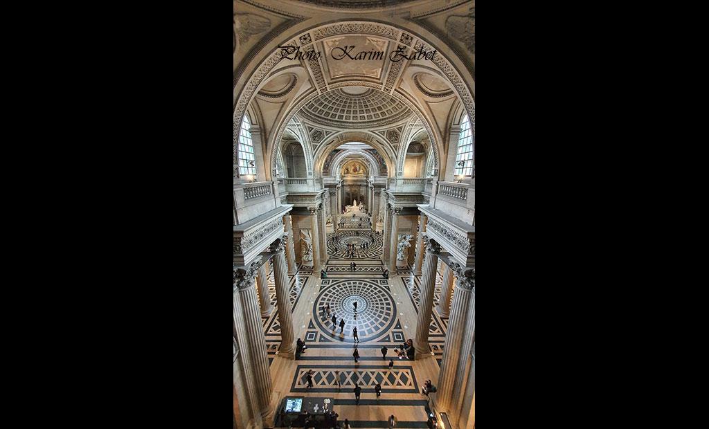 ویوی فضای داخلی پانتئون از طبقه بالا