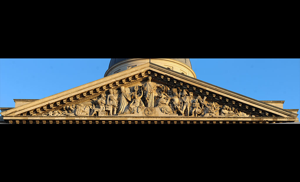 سنتوری نمای اصلی پانتئون پاریس