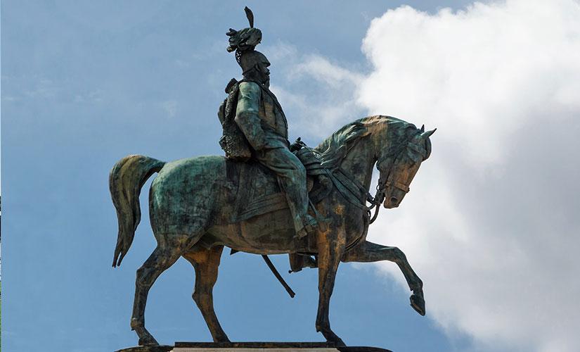 مجسمه بزرگ ویکتور امانوئل دوم در میدان ونیز