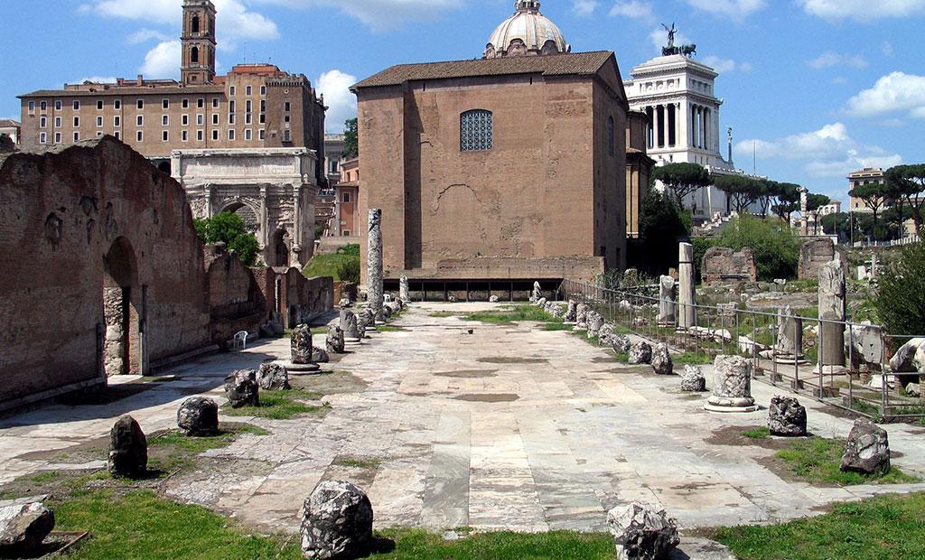 بقایای باسیلیکا امیلیا در رومان فروم