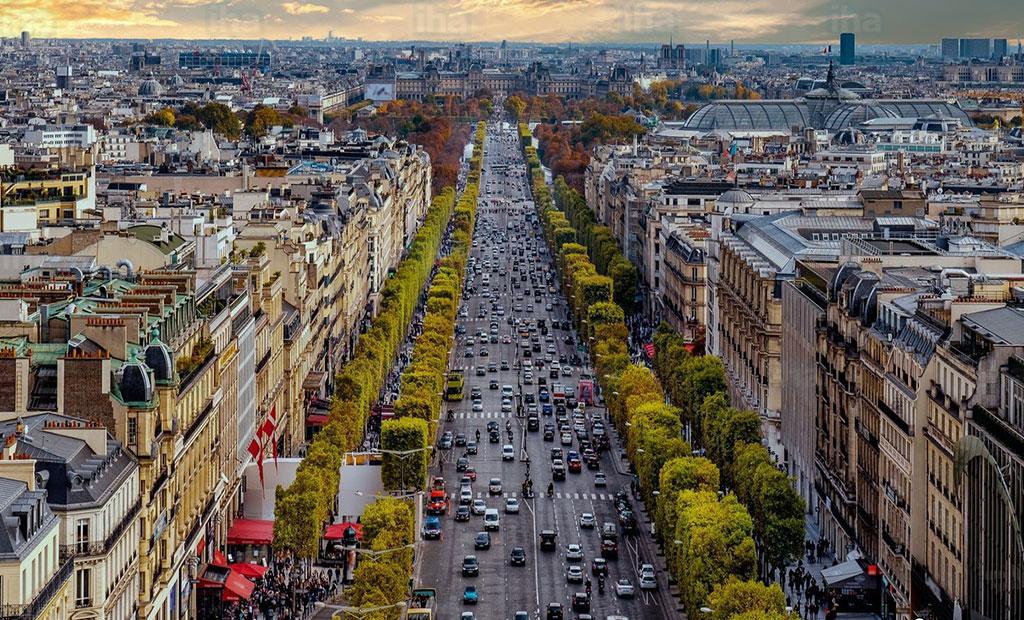 نمای هوایی زیبا از خیابان شانزلیزه پاریس