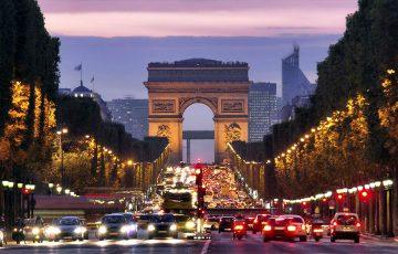 طاق نصرت پاریس در انتهای خیابان شانزلیزه