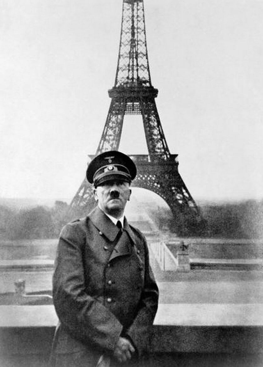 عکس یادگاری هیتلر با برج ایفل در زمان اشغال پاریس توسط نازی ها
