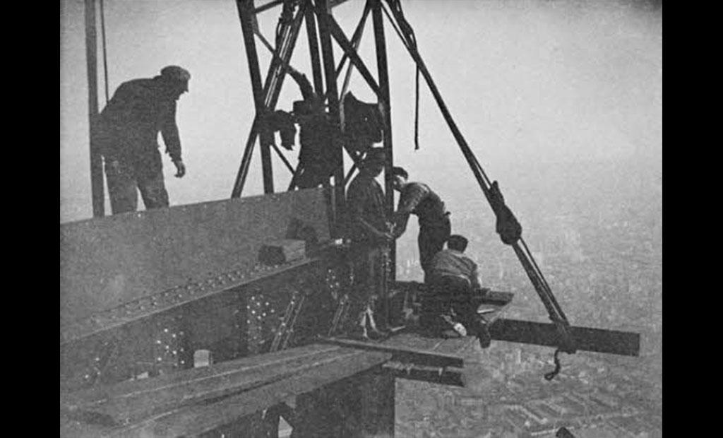 عکس قدیمی عملیات ساخت برج ایفل