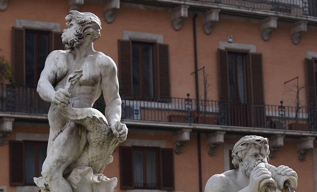 مجسمه های فواره دل مورو در میدان ناوونا شهر رم