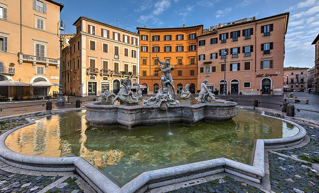 فواره نپتون در میدان ناوونا شهر رم