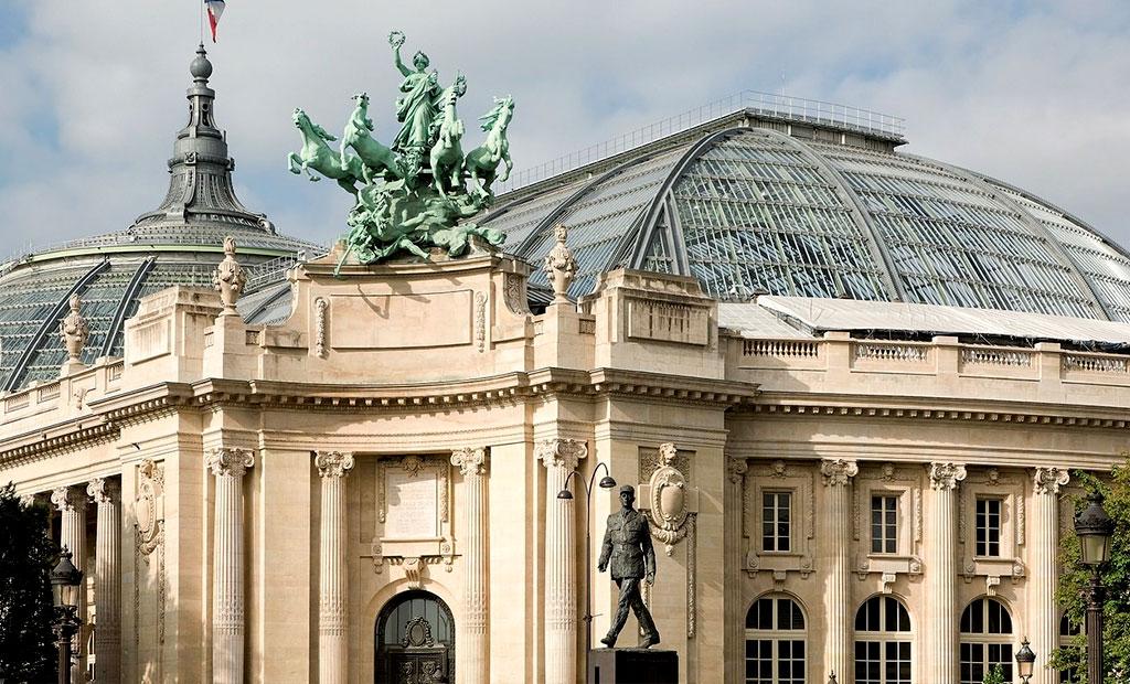 گراند پله یا قصر بزرگ در خیابان شانزلیزه پاریس