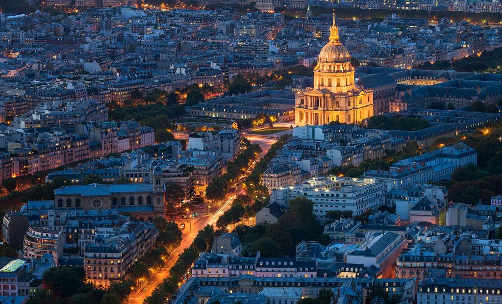 نمای زیبا از عمارت انولید پاریس