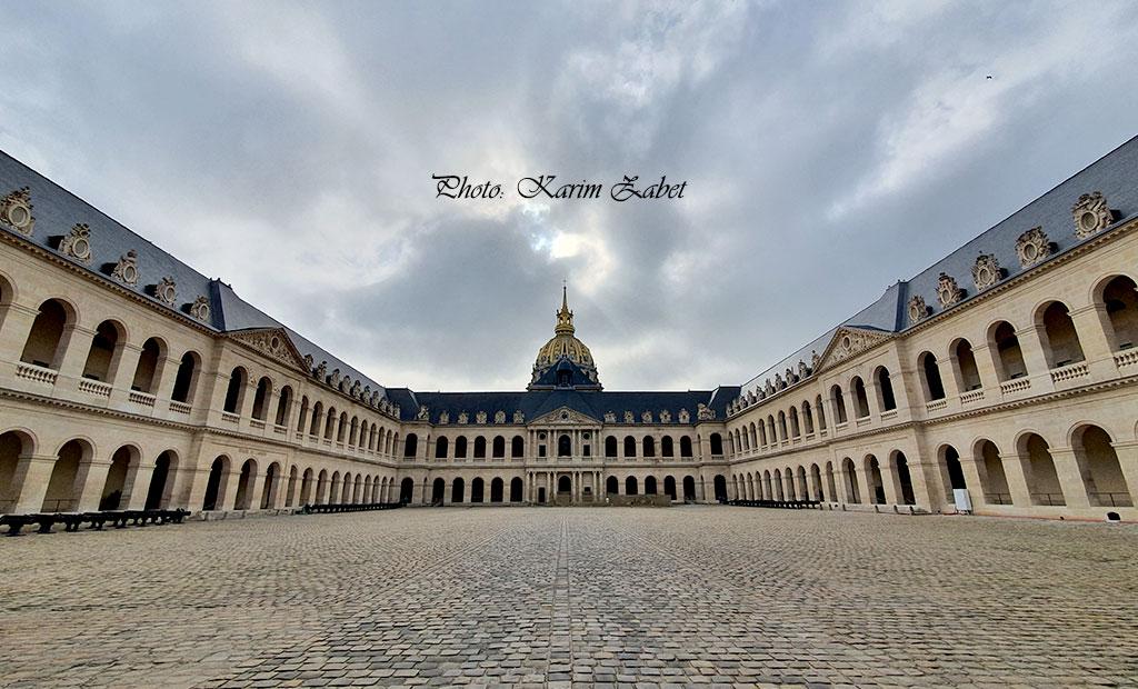 صحن اصلی هتل انولید پاریس