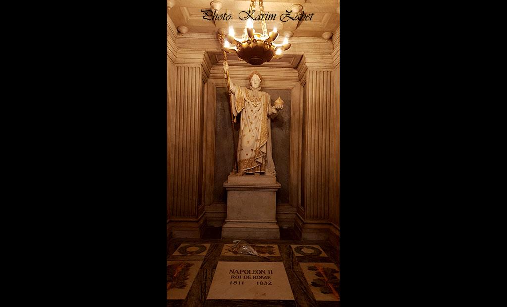 مجسمه ناپلئون اول و آرامگاه فرزندش ناپلئون دوم در انولید