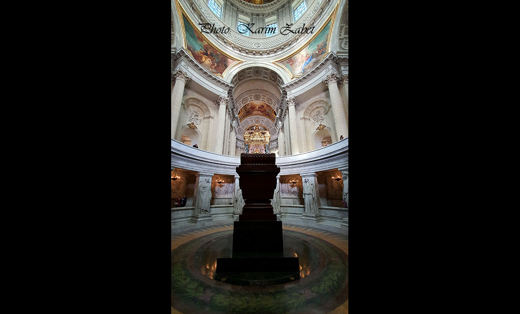 مقبره امپراتور ناپلئون در کلیسای گنبد انولید