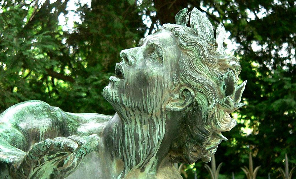 مجسمه تمثیل نبوغ هنری در فواره دلاکروا
