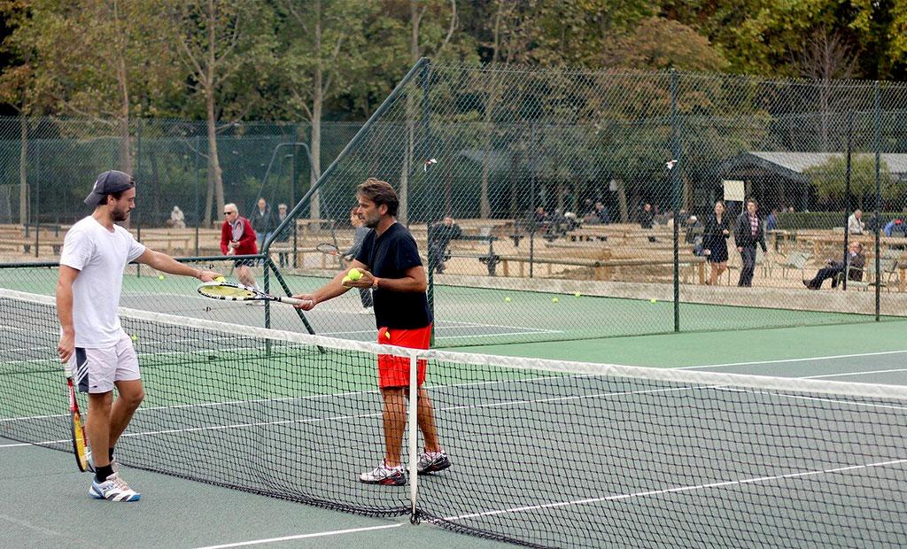 زمین های تنیس باغ لوگزامبورگ پاریس