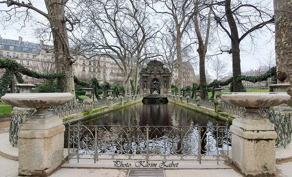 حوض و فواره مدیچی در باغ لوگزامبورگ پاریس