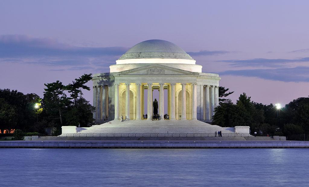 بنای یادبود جفرسون در آمریکا که با تقلید از پانتئون رم ساخته شده است