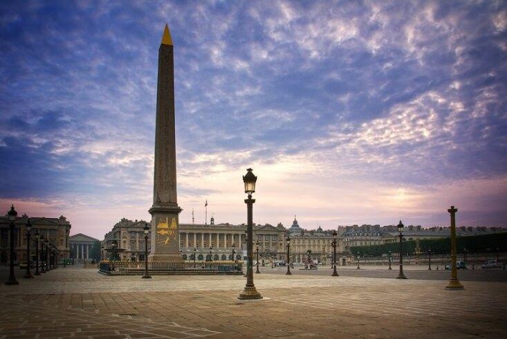 ابلیسک 3300 ساله میدان کنکورد، قدیمی ترین اثر موجود در فضای شهری پاریس.