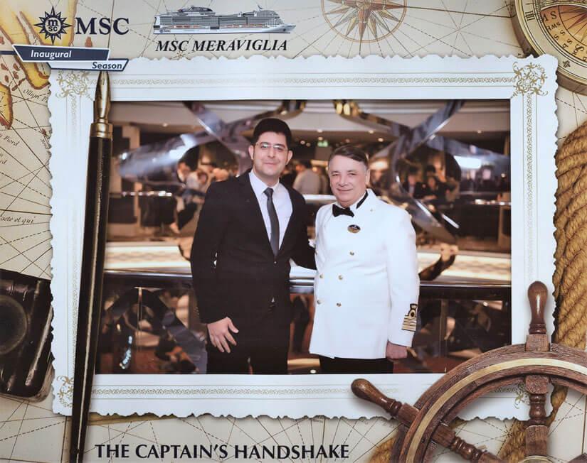 عکس یادگاری کریم ضابط با کاپیتان کشتی کروز مراویا