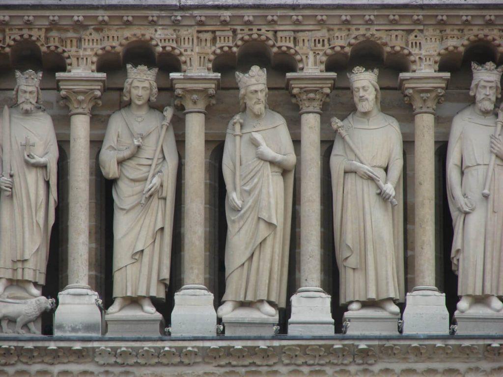 گالری پادشاهان، نمای غربی کلیسای نوتردام پاریس