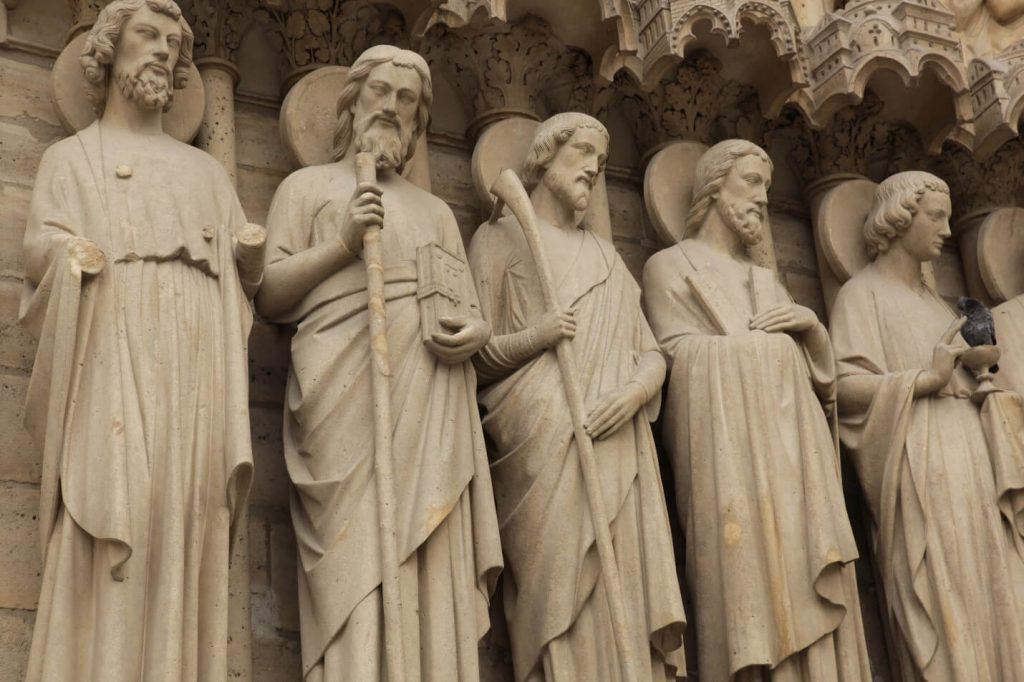 مجسمه حواریون مسیح، نمای غربی کلیسای نوتردام پاریس