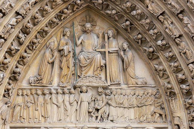 حضرت عیسی در حال داوری، نمای غربی کلیسای نوتردام پاریس