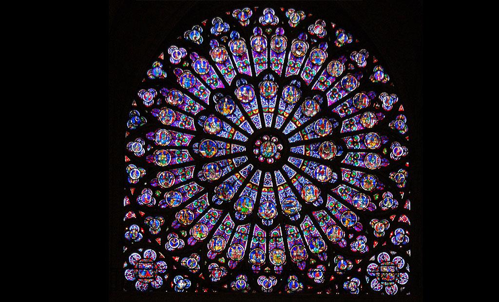 شیشه های منقوش پنجره گلسرخی کلیسای نوتردام پاریس