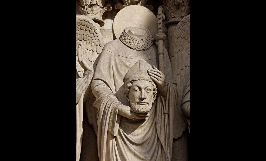 مجسمه سن دنی که سر قطع شده اش را برداشته است