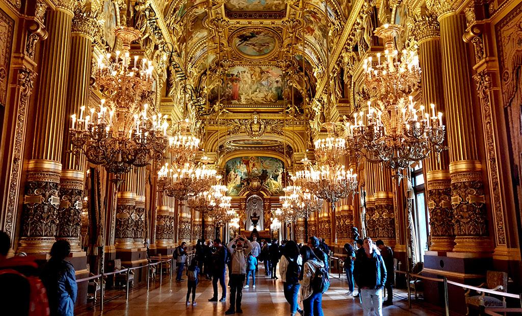 تالار اجتماعات طلایی رنگ اپرا گارنیه پاریس