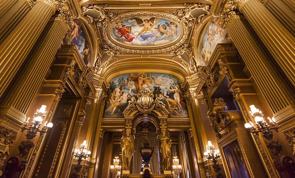 قسمت انتهایی تالار اجتماعات اپرا گارنیه