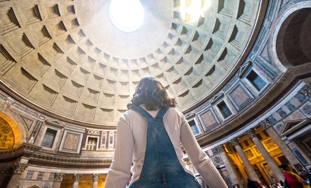 فضای داخلی معبد پانتئون رم