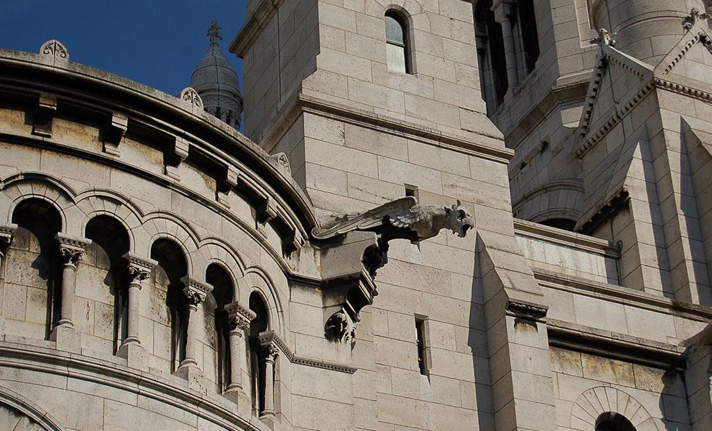 مجسمه گارگویل های فرانسوی در کلیسای قلب مقدس