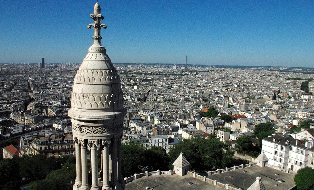 نمای شهر پاریس از بالای گنبد کلیسای سکره کور