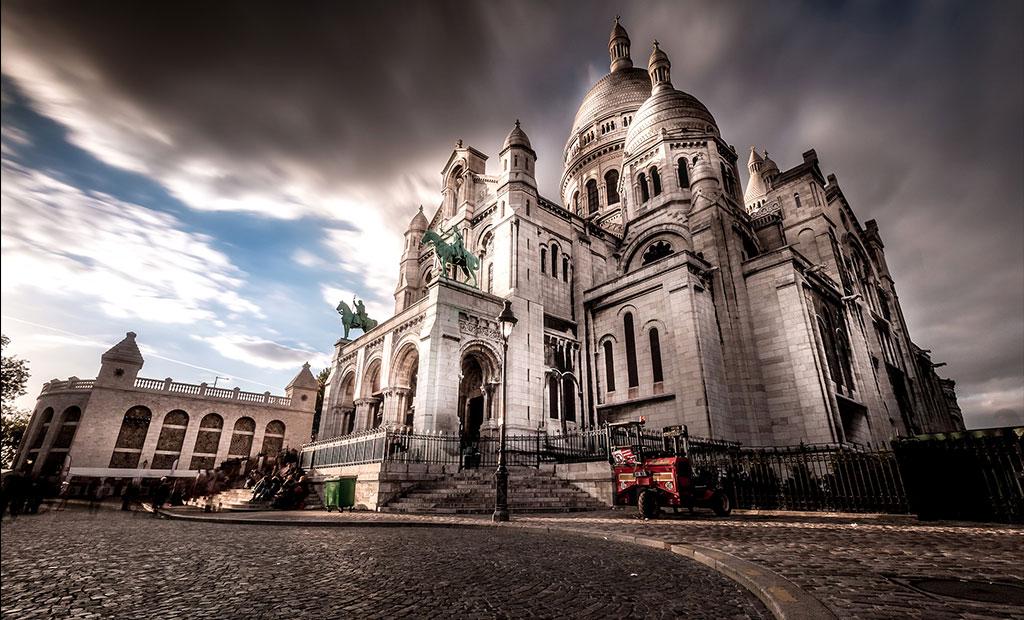 کلیسای زیبای سکره کور یا قلب مقدس در شهر پاریس