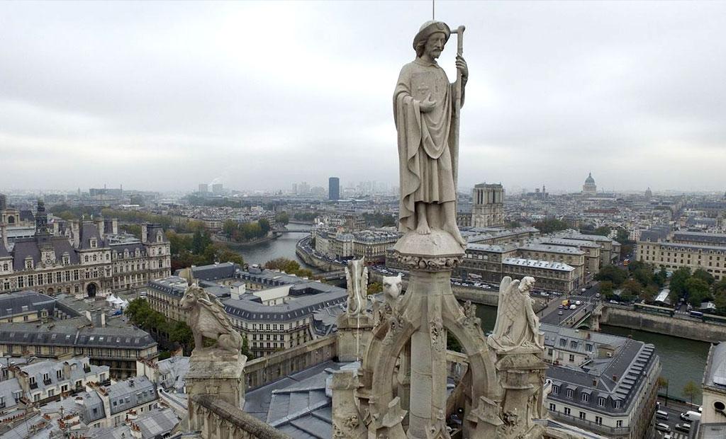 مجسمه سن ژاک بر بالای برج