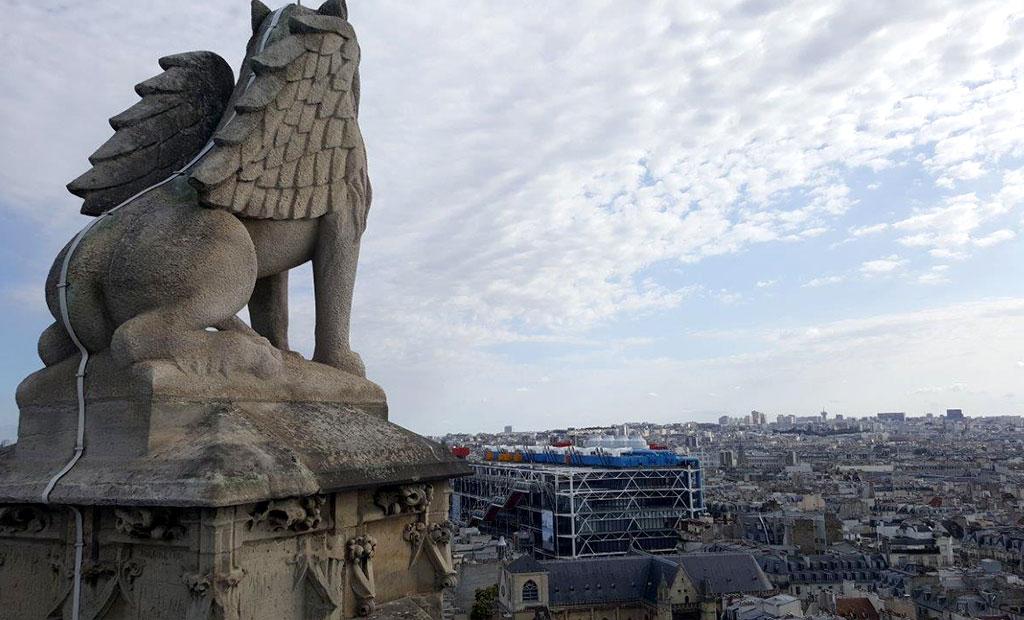 نمای شهر پاریس از بالای برج سن ژاک
