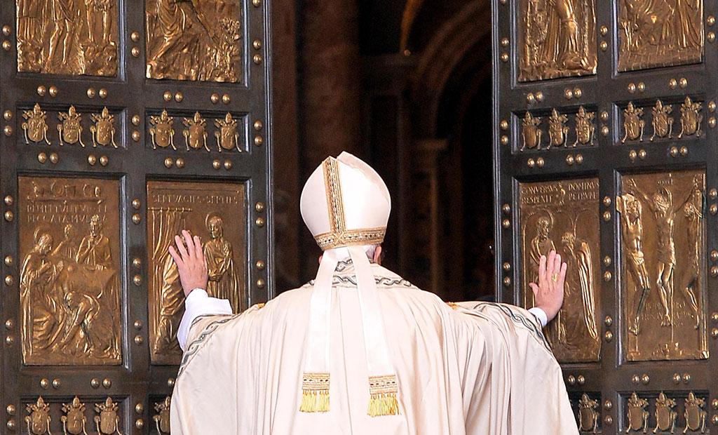 در مقدس که هر 25 سال یکبار باز می شود