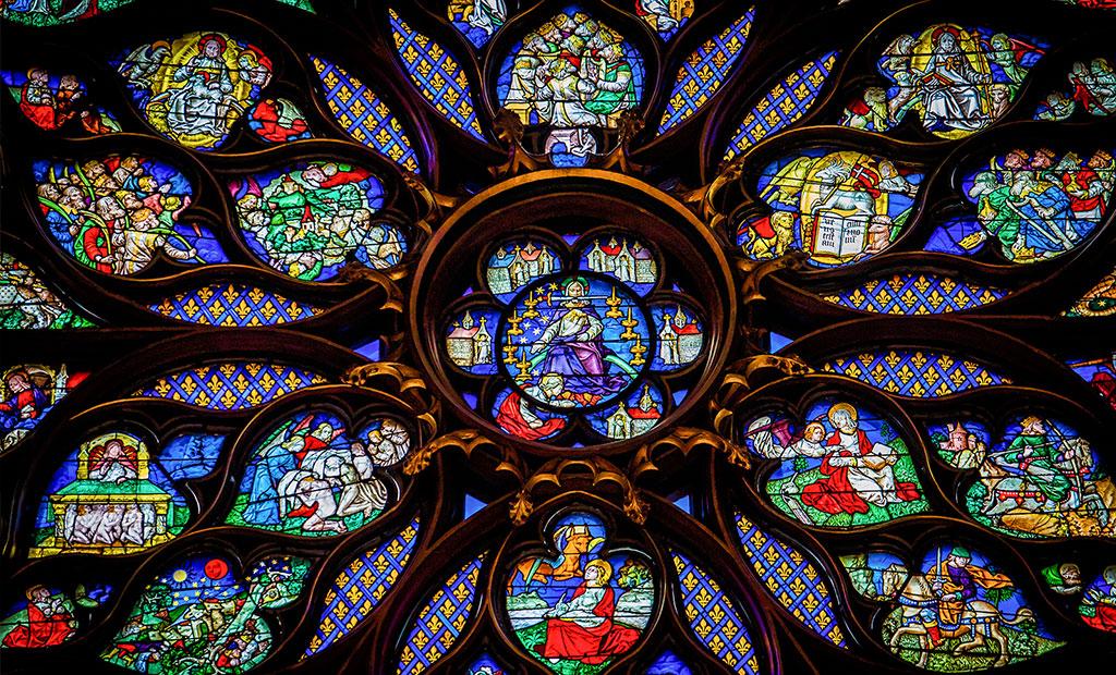 شیشه های منقوش پنجره گلسرخی سن شاپل