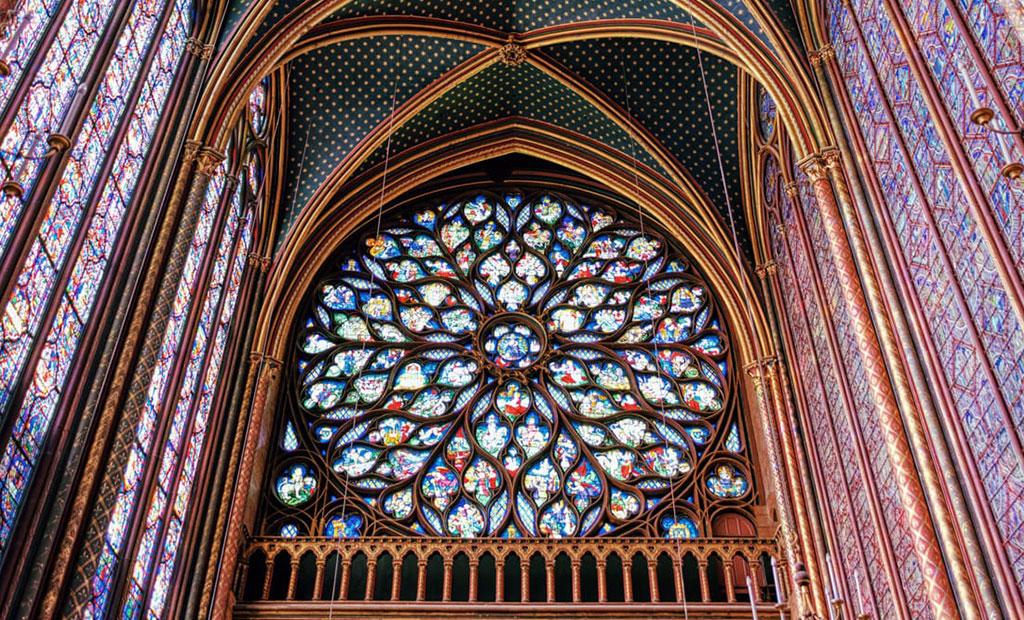 پنجره گلسرخی بزرگ کلیسای سن شاپل