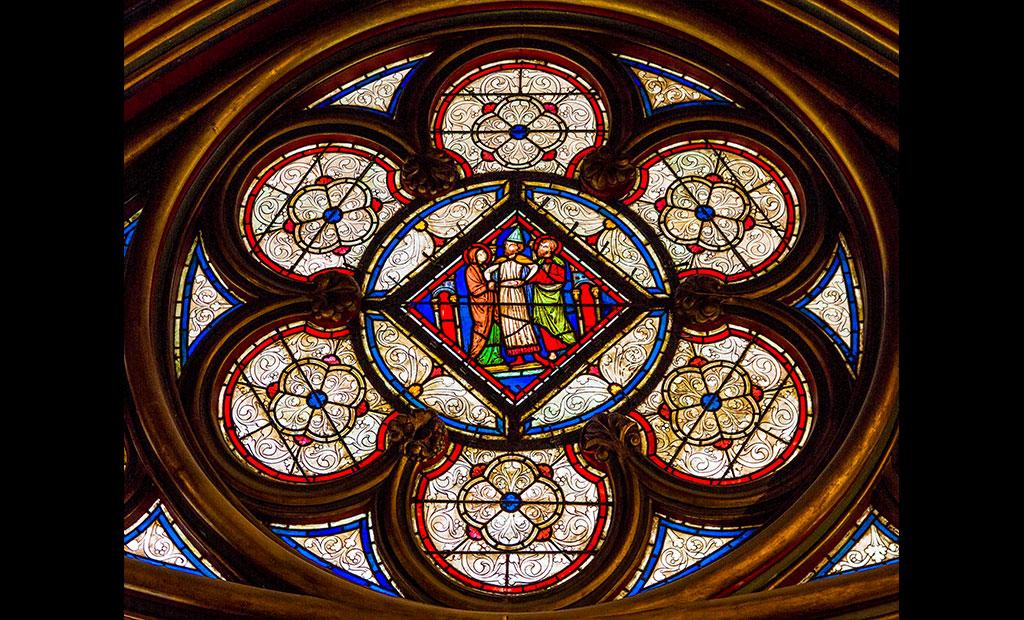 شیشه های منقوش کلیسای سن شاپل پاریس
