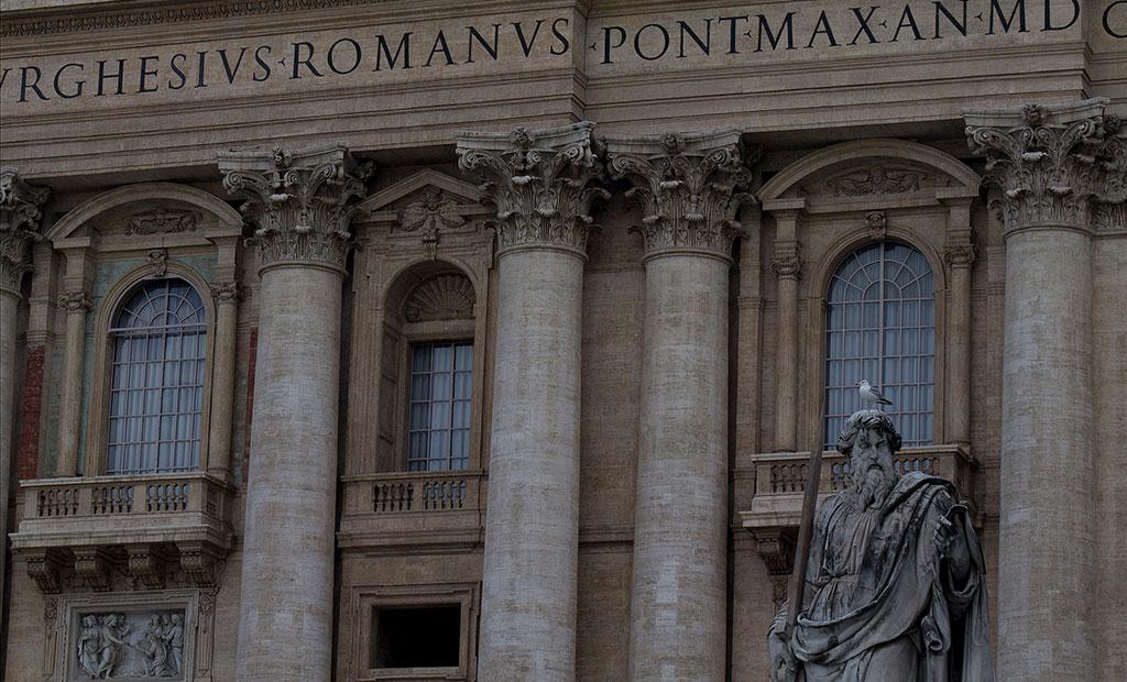 نمای غربی کلیسای سن پیتر رم