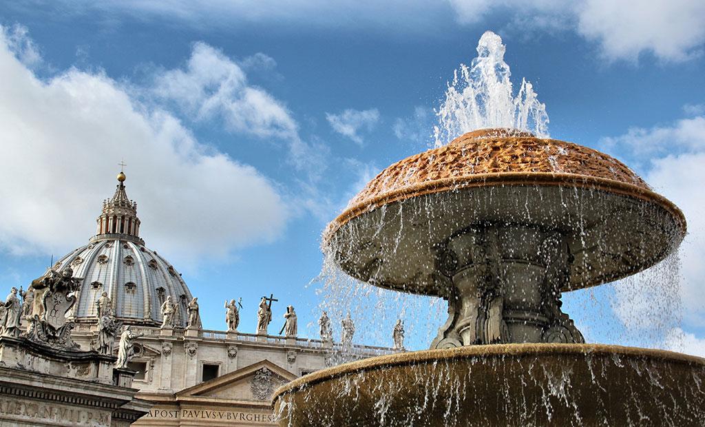 آب نمای میدان سن پیتر