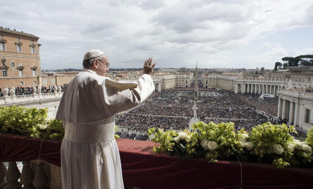 سخنرانی پاپ در میدان سن پیتر واتیکان