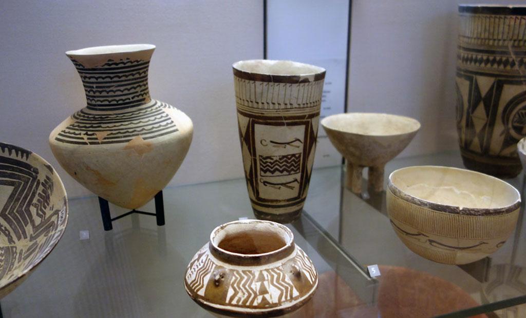 ظروف سفالی کشف شده در شوش
